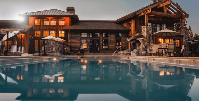 hositng-dedicado-casa-con-piscina
